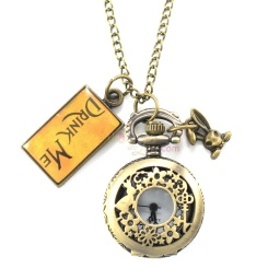 alice_pocketwatch_necklace_1