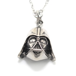 darth_vader_necklace_2