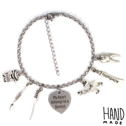 love_belongs_to_a_dentist_charm_bracelet