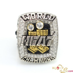 nba_2013_heat_lebron_ring_1