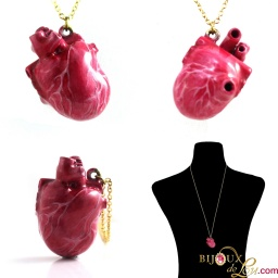 red_enameled_small_3d_heart_necklace_v2