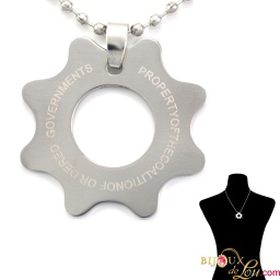 ssteel_gears_war_necklace