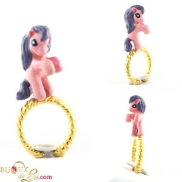 standing_my_little_pony_ring