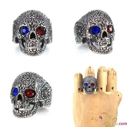steel_sugar_skull_red_blue_eyes