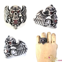 steel_winged_ruby_skull_ring
