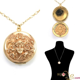 vintage_round_woman_bas_relief_locket