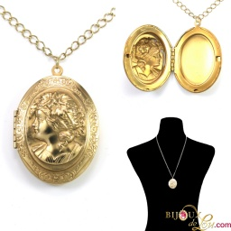 vintage_woman_bas_relief_locket