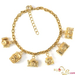 gold_camera_photographer_charm_bracelet