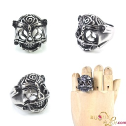 ssteel_stallone_expendables_ring
